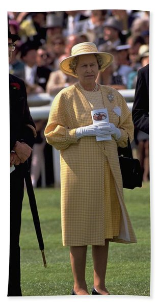 Photograph - Queen Elizabeth At The Races by Travel Pics