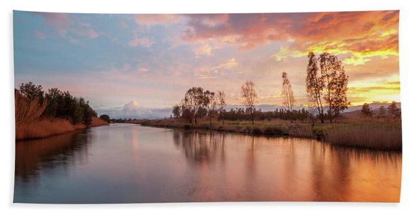 Red Sunset On The Pond Beach Towel