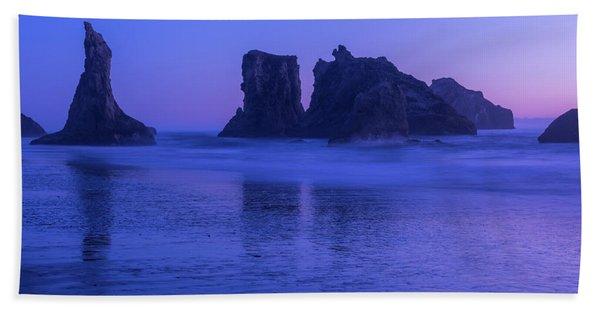 Seastack Sunset In Bandon Beach Towel