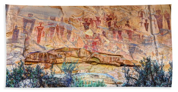 Sego Canyon Indian Petroglyphs And Pictographs Beach Towel