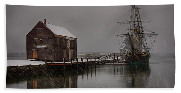 Beach Towel featuring the photograph Silently The Snow Falls. by Jeff Folger