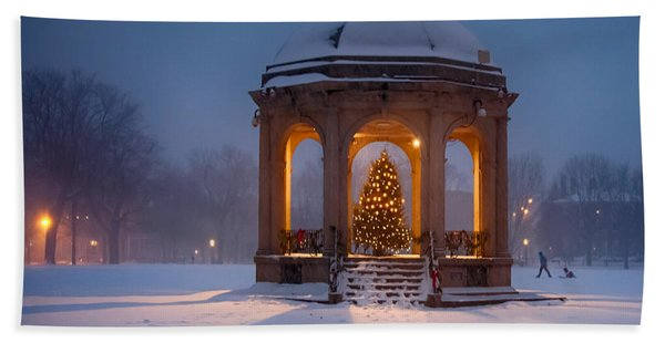 Beach Towel featuring the photograph Snowy Night On The Salem Common by Jeff Folger