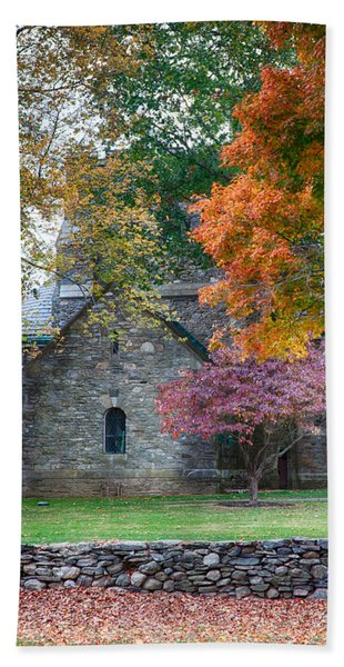 Beach Towel featuring the photograph Stone Church In Pomfret Ct In Autumn by Jeff Folger