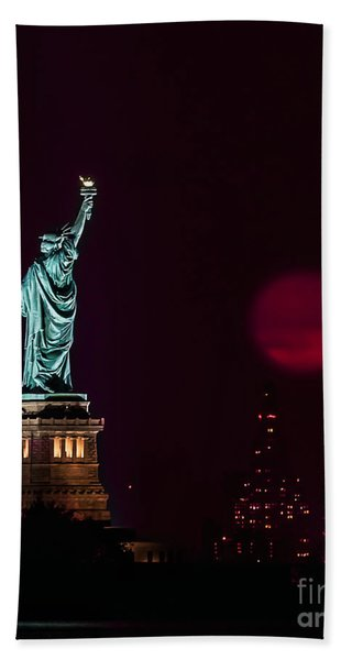 Super Moon Rising And The Statue Of Liberty Beach Sheet
