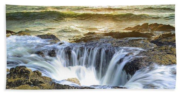 Thor's Well - Oregon Coast Beach Towel