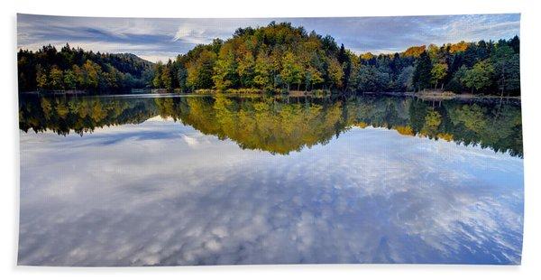 Trakoscan Lake In Autumn Beach Towel