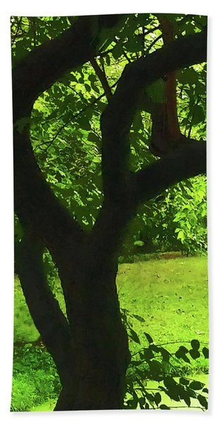 Tree Trunk Green Beach Towel