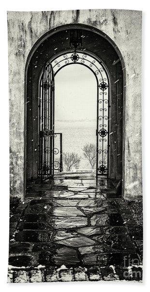 Vanderbilt Doorway In Centerport Beach Sheet