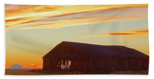 Weathered Barn Sunset Beach Towel