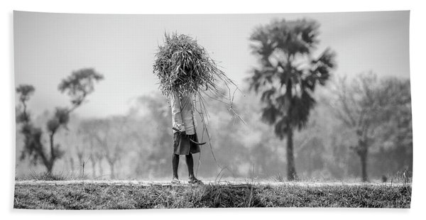 Working In The Lower Ganges Beach Towel