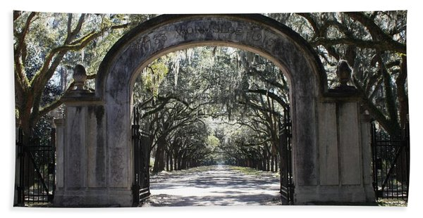 Wormsloe Plantation Gate Beach Towel