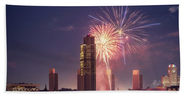 Albany Fireworks 2019 Beach Towel