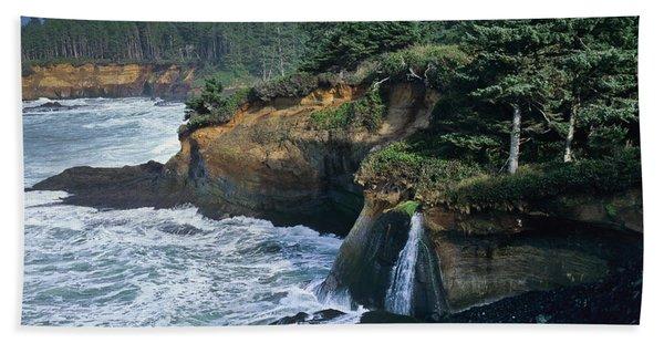 Cliffs Of Boiler Bay Beach Towel