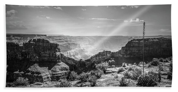 Eagle Rock, Grand Canyon In Black And White Beach Towel