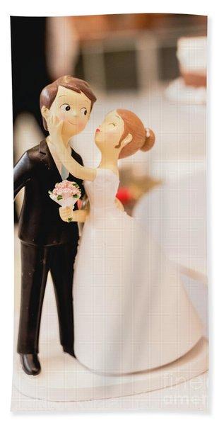 Elegant Wedding Cake Dolls Beach Towel