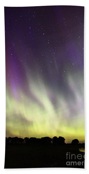 Green And Purple Fire In The Sky Beach Towel