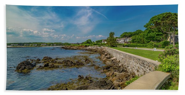 Kennebunkport The Green Lively Life Beach Towel
