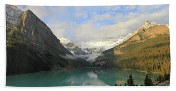 Lake Louise At Dawn Beach Towel