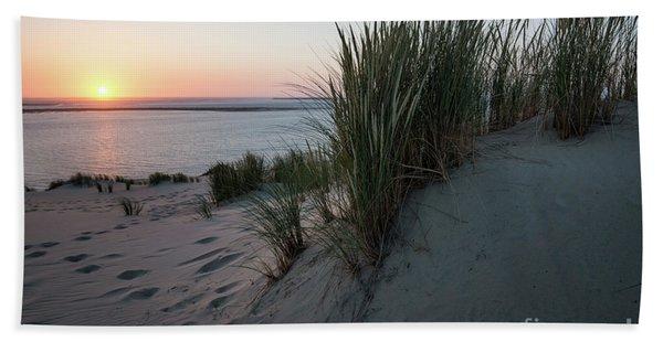 Last Sunlight For Today Beach Towel