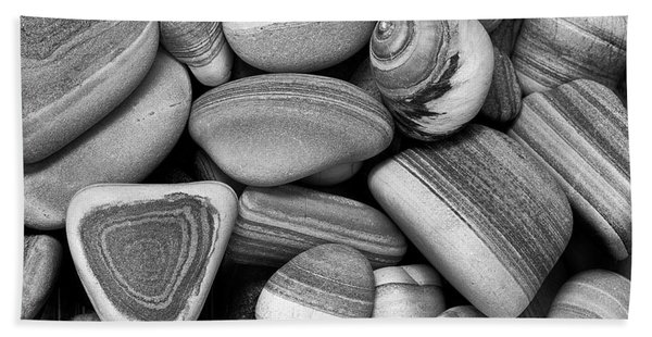 Lined Rocks And Shell Beach Towel
