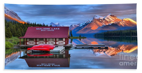 Maligne Lake Sunset Spectacular Beach Towel