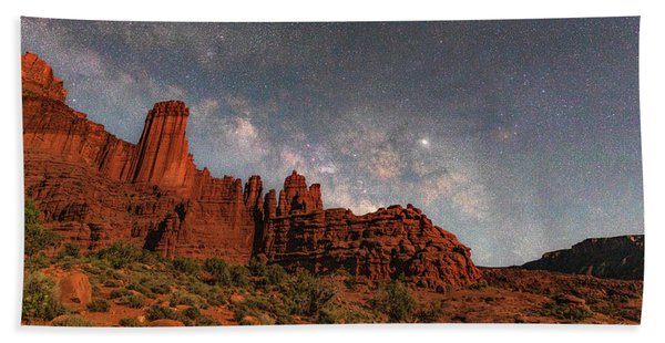 Milky Way Over Fisher Towers Beach Towel