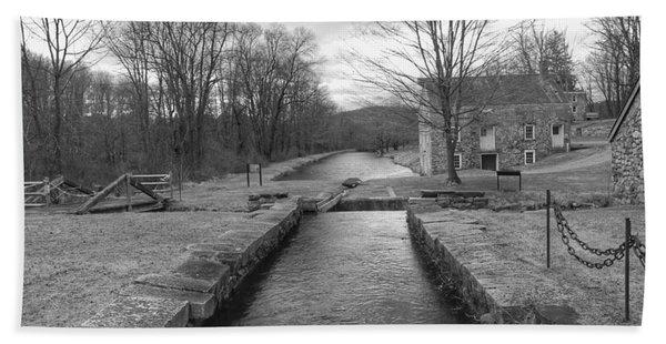 Morris Canal And Lock - Waterloo Village Beach Sheet