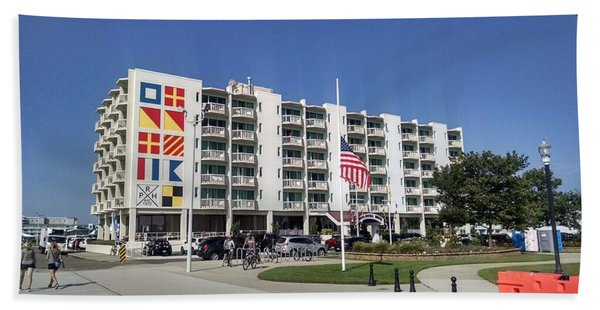 Port Royal Hotel Wildwood Nj 2019 Beach Towel