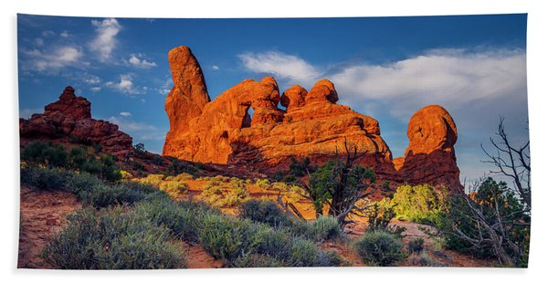 Rainbow Turret Beach Towel