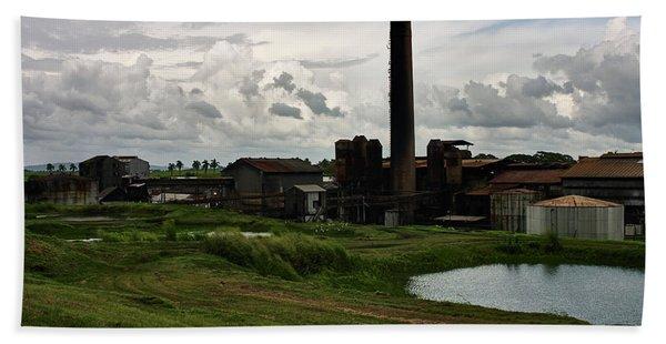 Sugar Factory I, Usine Ste. Madeleine Beach Towel