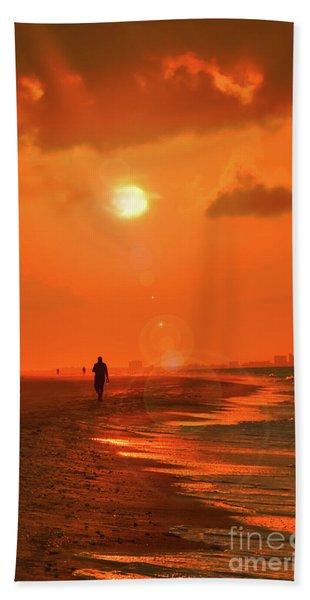 Sunrise Walk On Sanibel Island Beach Towel