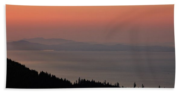 Sunset Of The Olympic Mountains Beach Towel
