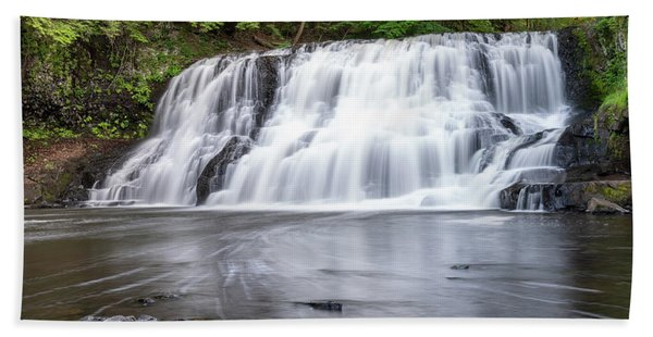 Wadsworth Falls In Middletown, Connecticut U.s.a.  Beach Towel