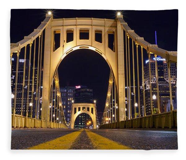 0304 Roberto Clemente Bridge Pittsburgh Fleece Blanket