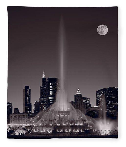 Buckingham Fountain Nightlight Chicago Bw Fleece Blanket