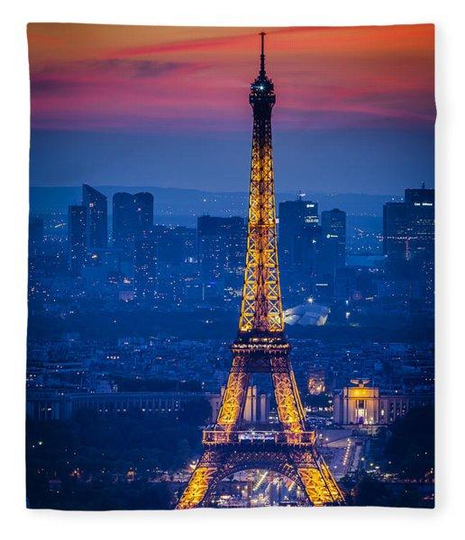 Fleece Blanket featuring the photograph Eiffel Tower At Twilight by Brian Jannsen