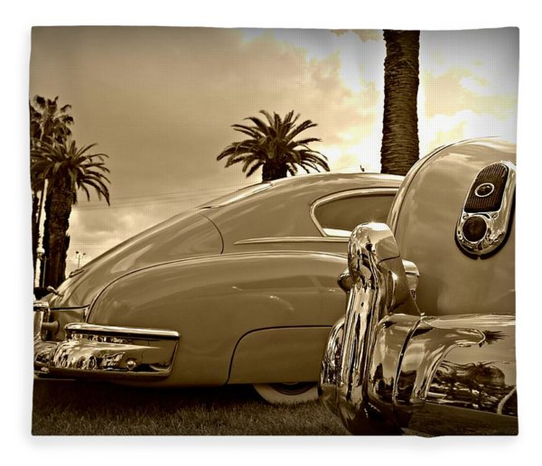 Fine '49s Fleece Blanket