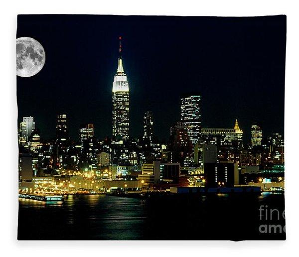 Full Moon Rising - New York City Fleece Blanket