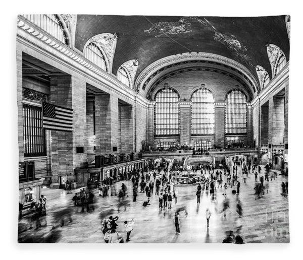 Grand Central Station -pano Bw Fleece Blanket