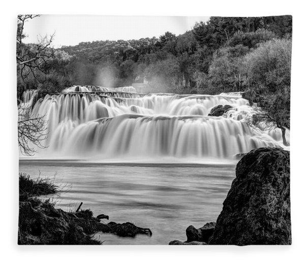 Krka Waterfalls Bw Fleece Blanket