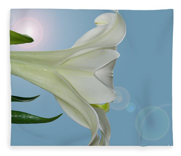 Lily Light Fleece Blanket