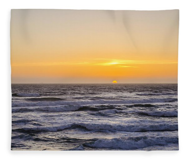 Ocean Beach Sunset Fleece Blanket
