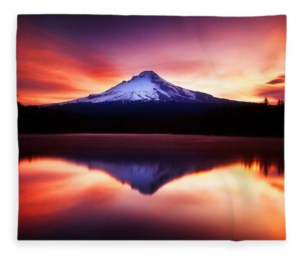 Peaceful Morning On The Lake Fleece Blanket