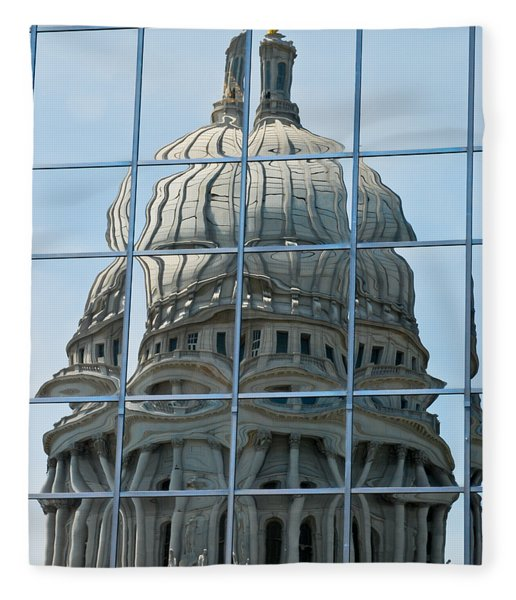 Reflections Of The Capitol Fleece Blanket