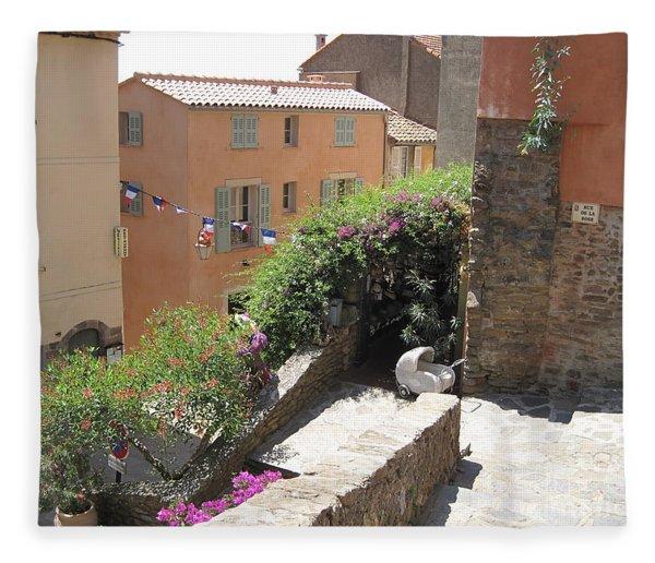 Rue De La Rose Fleece Blanket