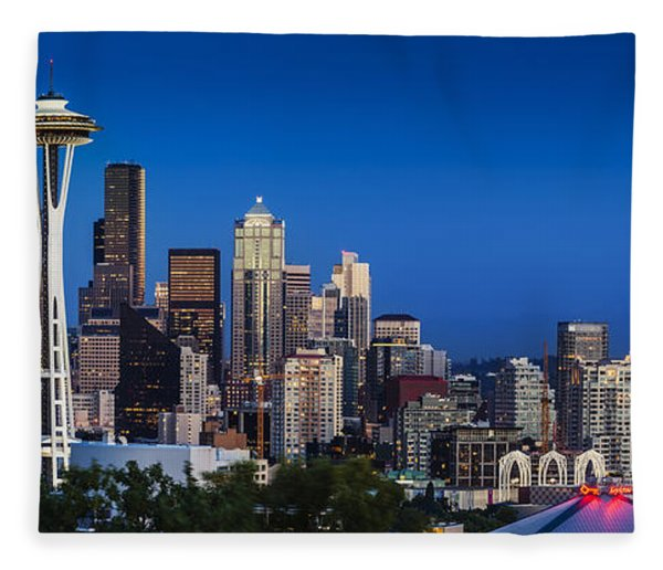 Fleece Blanket featuring the photograph Seattle Skyline Panoramic by Brian Jannsen