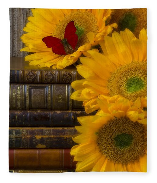 Sunflowers And Old Books Fleece Blanket