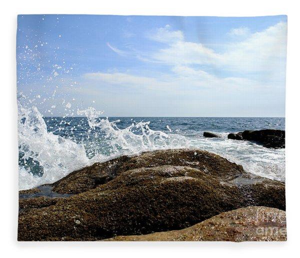 Waves Crashing Fleece Blanket