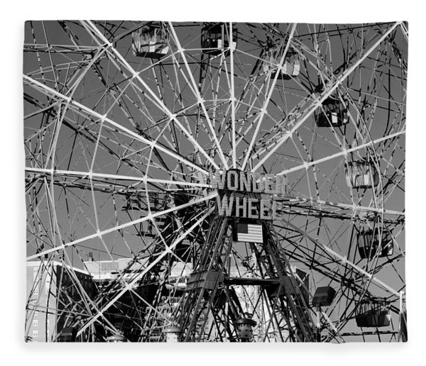 Wonder Wheel Of Coney Island In Black And White Fleece Blanket