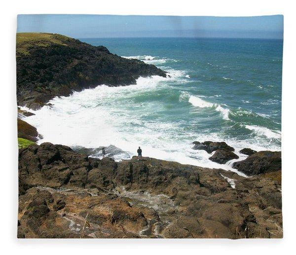 Rocky Ocean Coast Fleece Blanket